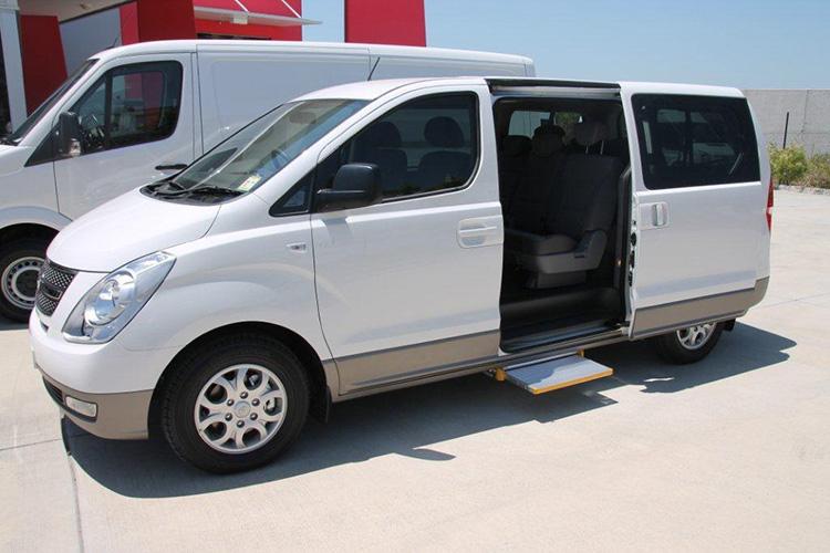 volkswagen t5 transporter    hyundai imax electric steps